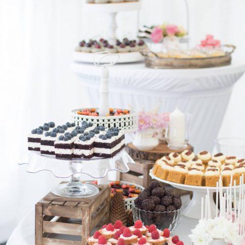 Sisters Cake - Svadobné koláče - biele aranžmá
