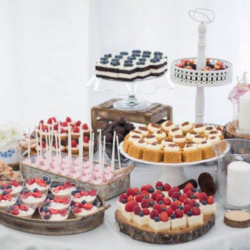 Sisters Cake - naaranžované svadobné koláče